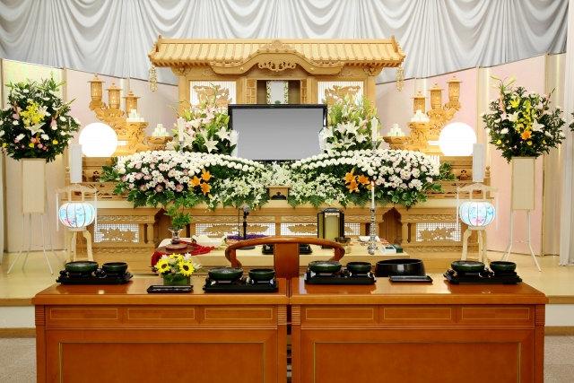 八柱霊園で墓石のことなら法事法要の手配も可能な【松戸家】へご相談ください。墓石を建てる際の申し込みのお手伝いを無料で行ないます。仏事に関することでご不明な点は、お気軽にお問い合せください。